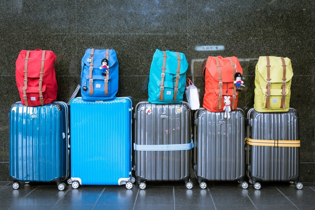 Find a friend to share your luggage with